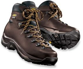 Best Men's Hiking Boots: Reviews of the Top 3 Hiking Boots for Guys