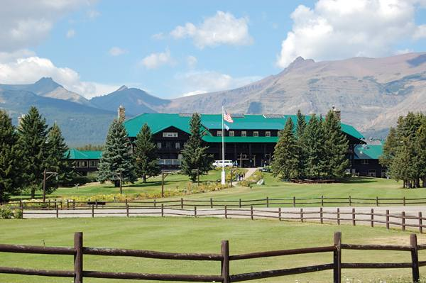 glacier park lodge and hotel